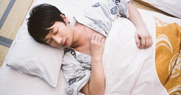 眠る日本人