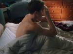 不眠症で眠れない男性