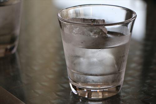 コップに入ったお水