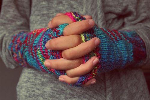 冷え性の女性の手