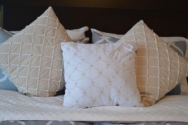 種類の違う3つの枕の画像