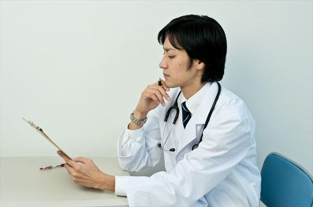 不眠症治療が専門の医師の画像