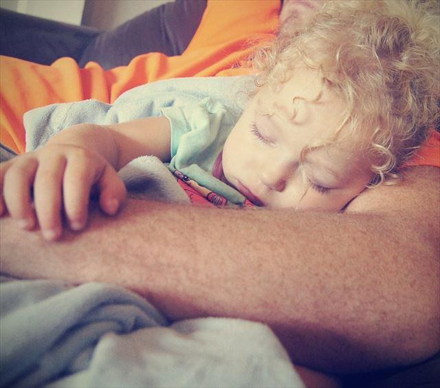 赤ちゃん用睡眠音楽で眠る子どもの画像2
