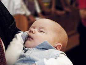 赤ちゃん用睡眠音楽で眠る子どもの画像1
