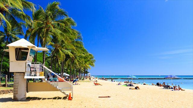 ハワイのリゾートビーチの画像