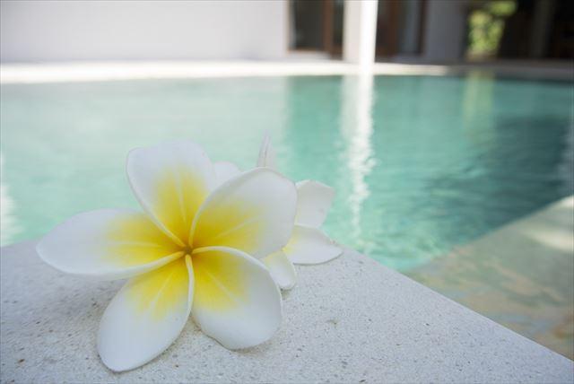 音楽が流れるバリ島のリゾートホテルの画像