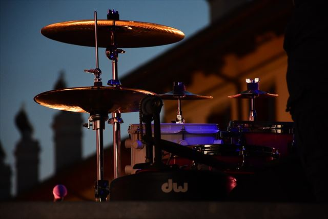 アシッドジャズの演奏されるライブハウスの画像