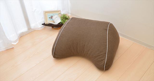 まくら株式会社が発売するスマホ枕の商品画像1