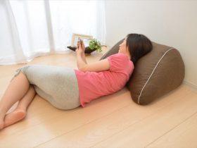 まくら株式会社が発売するスマホ枕の商品画像3