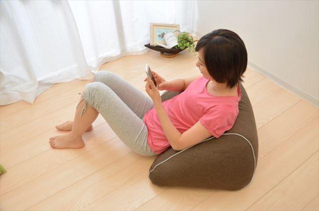まくら株式会社が発売するスマホ枕の商品画像4